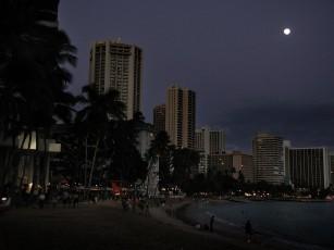 ワキキキビーチの夕刻
