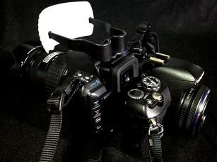 E-520+グリップストラップ+14-45mmとの比較